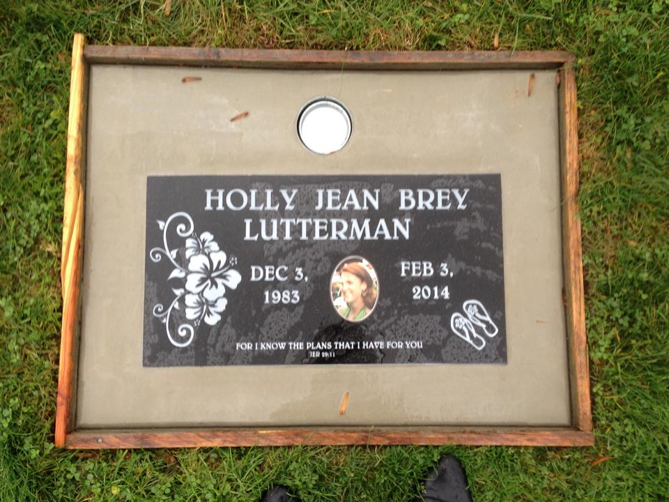 holly plaque